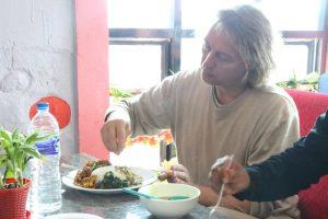 बेलबारीको ड्रिमल्याण्डमा सबैभन्दा सस्तो मुल्यमा थकाली खाना
