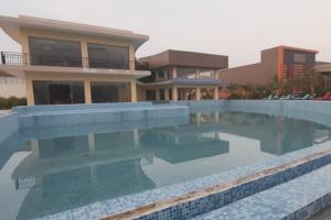 कोरोना महामारीका बीच झापामा पाँचतारे होटल शुरु