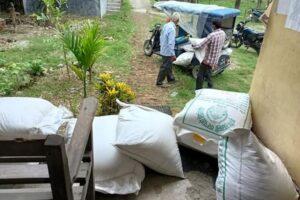 कृषि खेतीप्रति बेलबारीका कृषक आकर्षित, धानको विउ बितरण